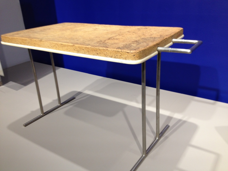 Eileen Gray, Cork Table