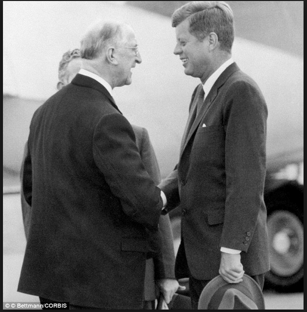 De Valera with JFK.png