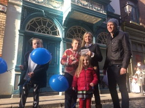 Family w 3 kids Day 2 T Hunt, Anglesea St with Arran Henderson & Dublin Decoded tours