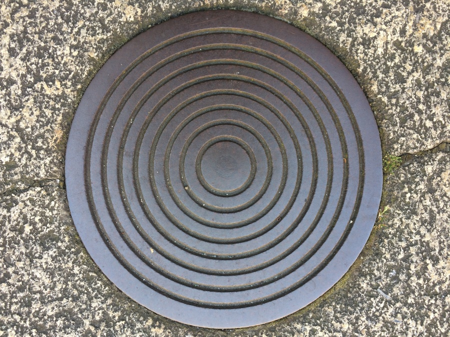 Tight close concentric circles coal cover