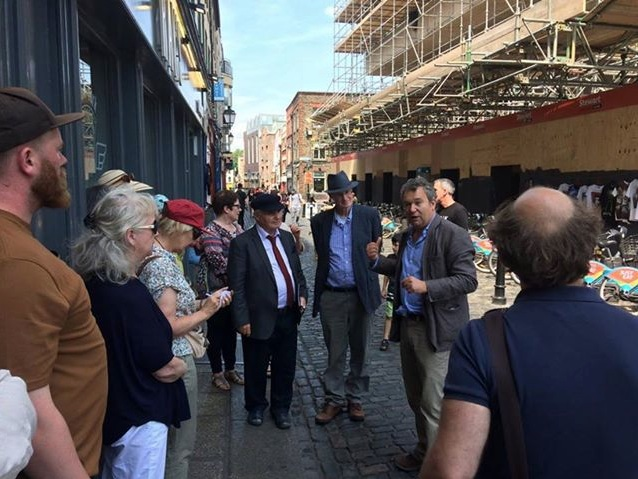 Arran giving the Society of Artists Tour 2 for IGS July 2018.